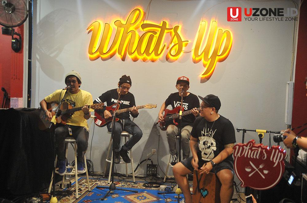 Penampilan Rocket Rockers di Whats Up Cafe Ciputat / © Dedy Maryanto