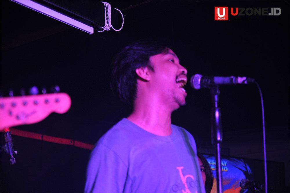 Skandal band Yogyakarta saat performance di Thursday Noise vol.10 / © Aris Wahyudi