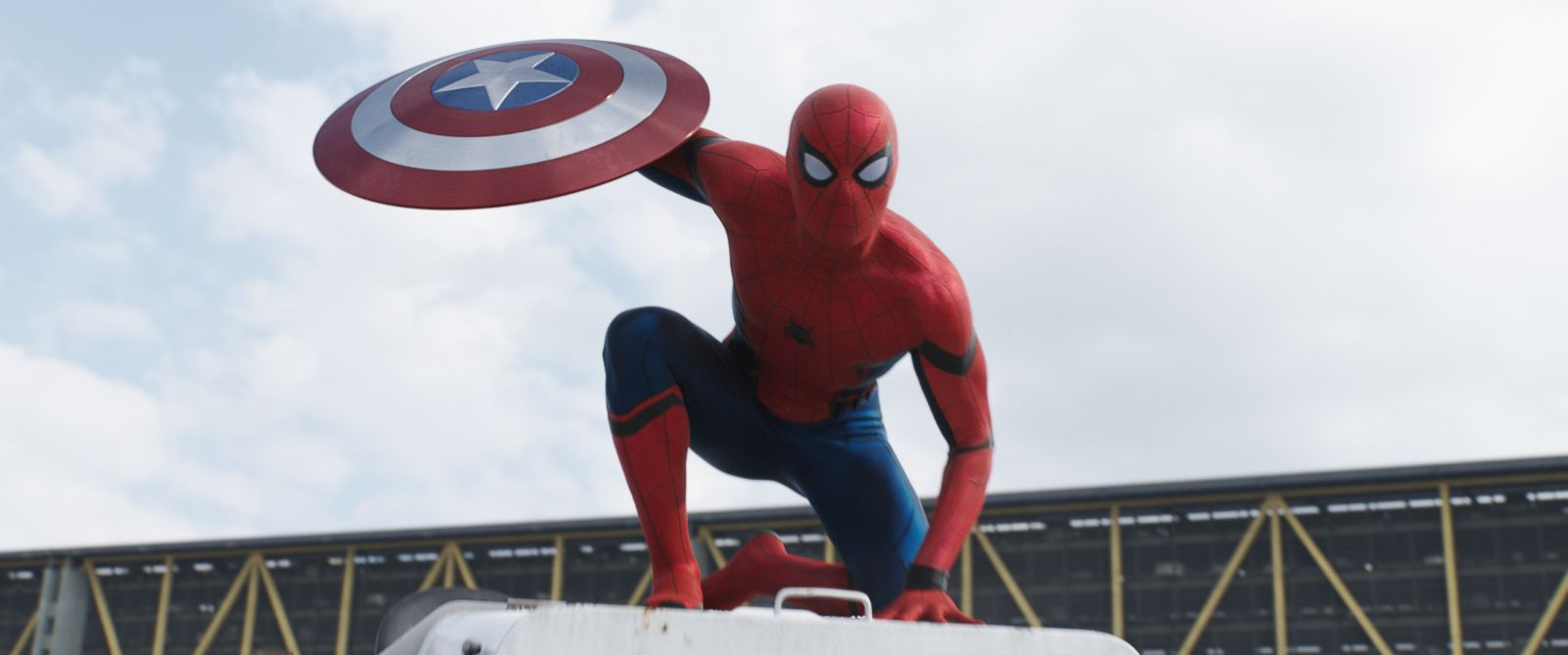 Spiderman Muncul di Trailer Terbaru Captain America : Civil War