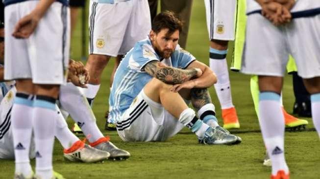 Maradona: Jangan Ganggu Messi!