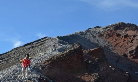 4 Pesepeda dari Bandung Berangkat Menuju Puncak Gunung Rinjani