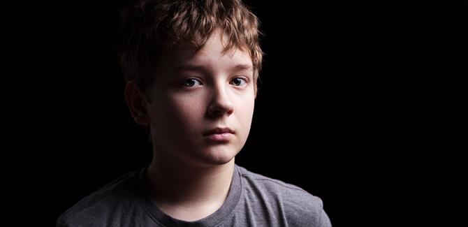 Mengenal Sindrom Asperger dan Bedanya Dengan Autisme